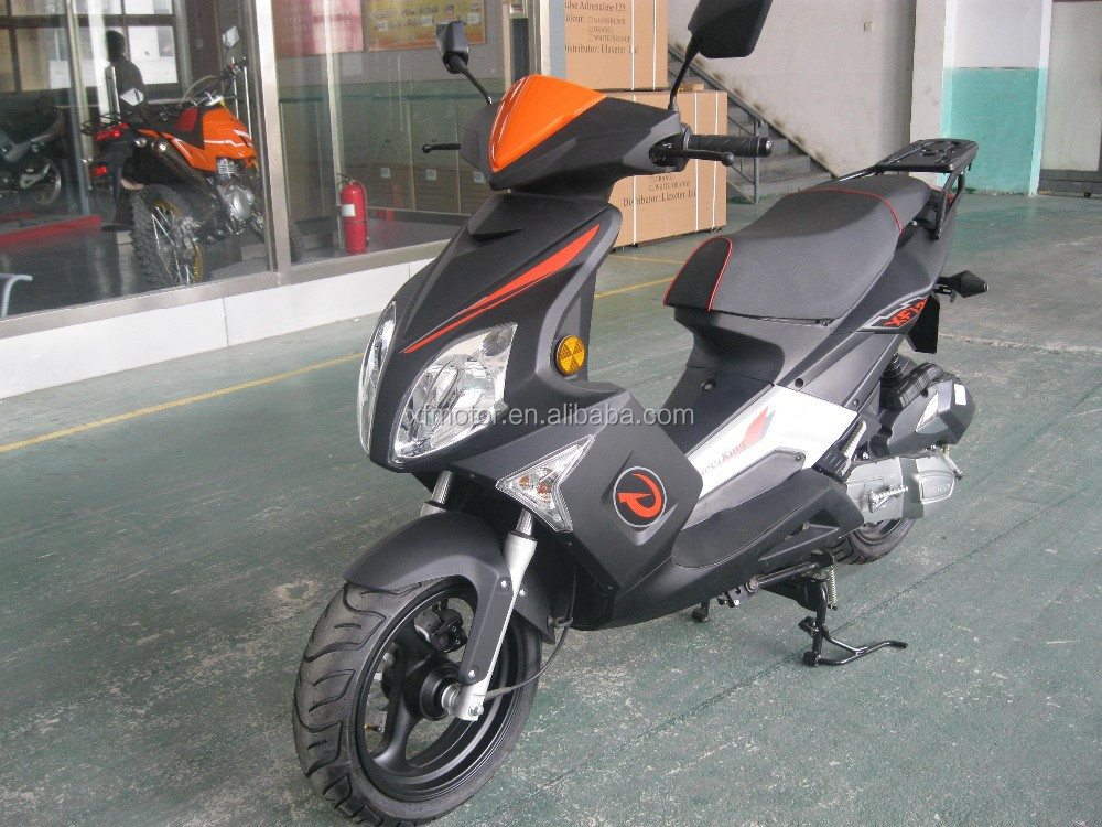EEC3 125 scooter