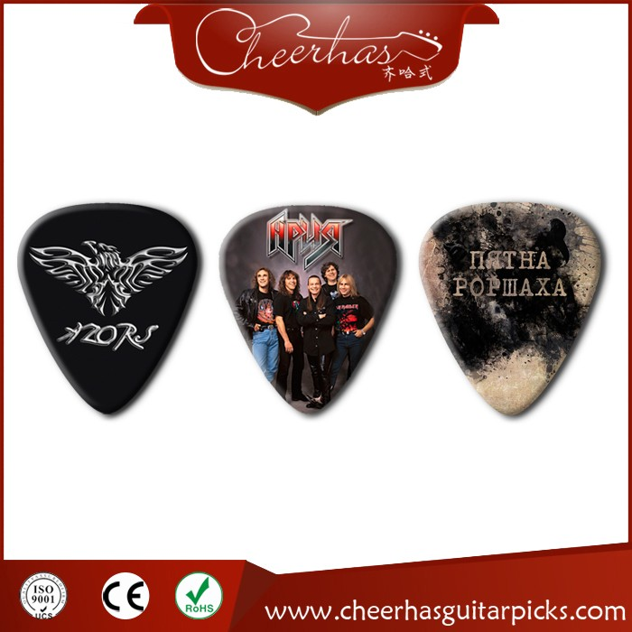Strings type and guitar use guitar pick/plectrum with band logo