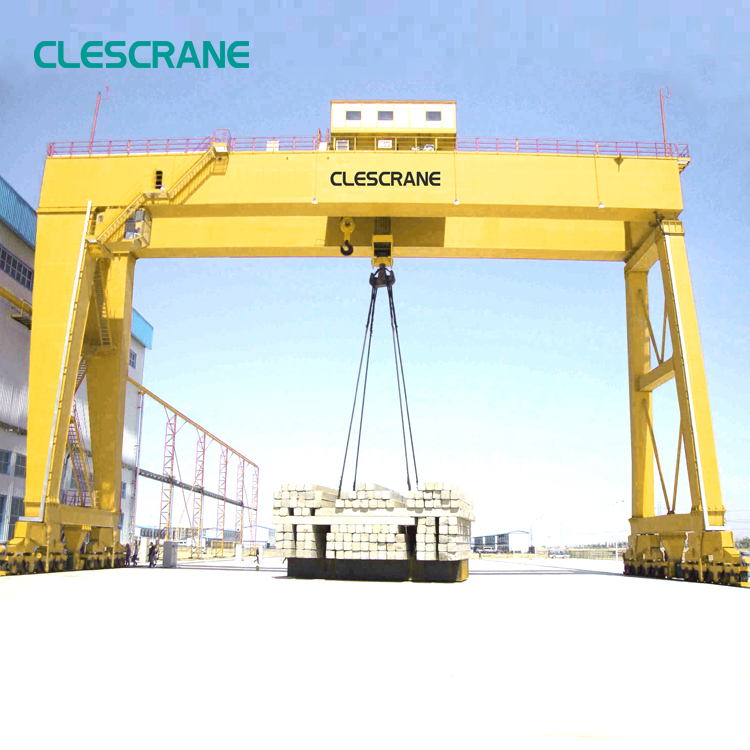 boat lifting shipyard hoist gantry crane