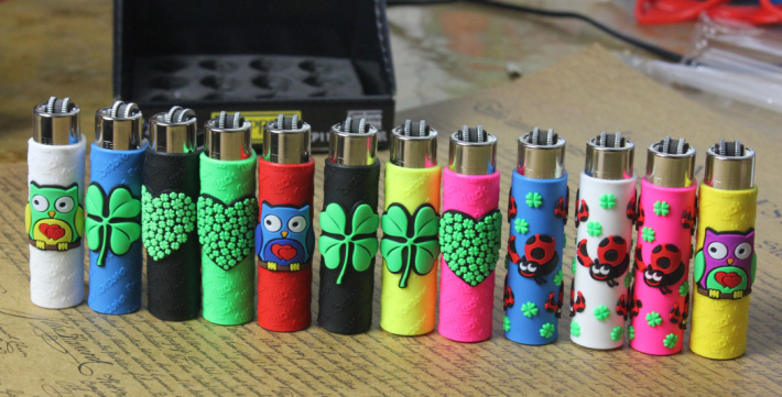 Customized Logo Soft Rubber Cigarette Lighter Cover promotional gift cheap price