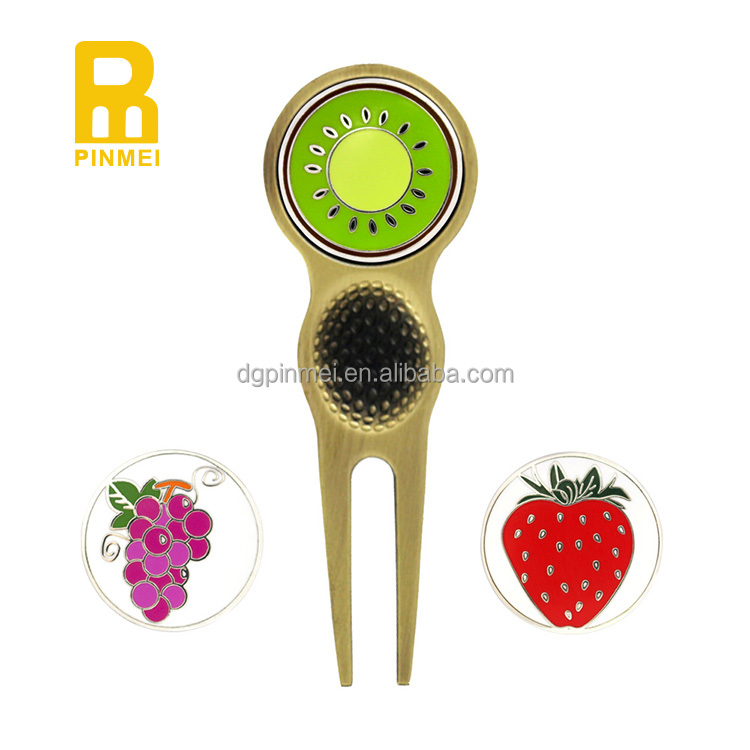 Hot sale new design golf magnetic divot tool with ball marker set