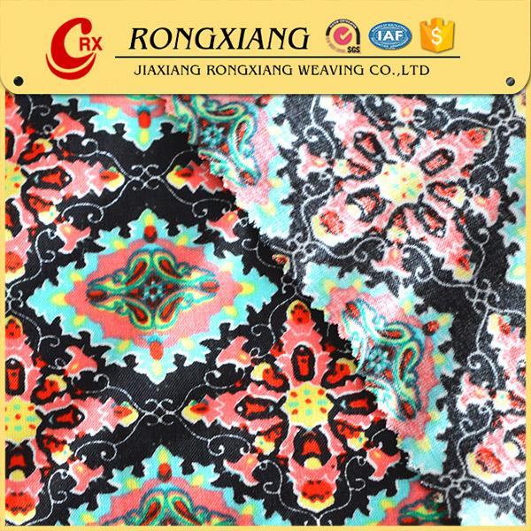2017 China cheap Wholesale New style custom 100% woven rayon printed fabric