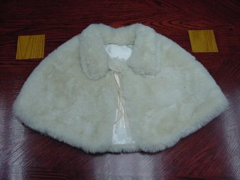 Ladies Faux Fur Cape