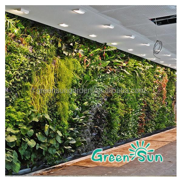 Garden green house artificial green wall vertical garden for Jardin vertical artificial