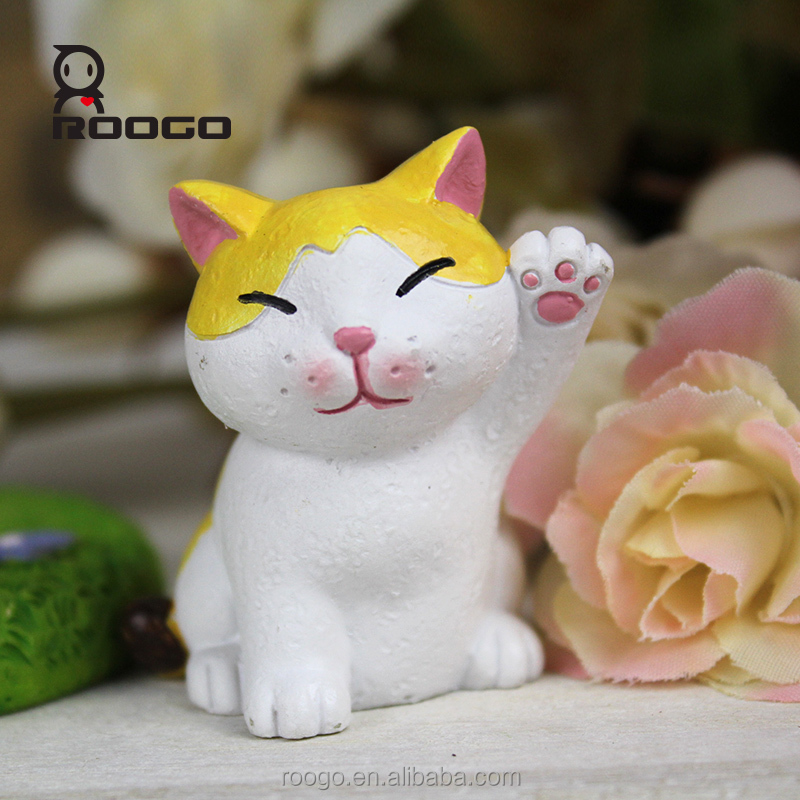 Roogo polyresin maneki neko kitty toy house decoration charming desktop ornament