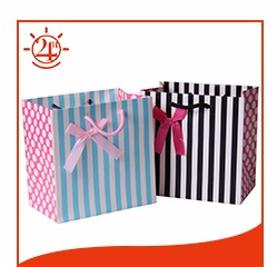 Cheap small a4 size advertising paper gift bags with handles