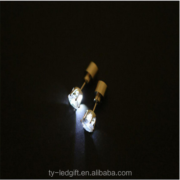 latest earrings Cheap Led earrings wholesale,party favor free samples latest design of pearl earrings made in China