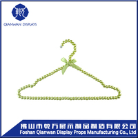 Good design girl style green color pearl clothes hanger/cute coat hanger stand used for Christmas decoration