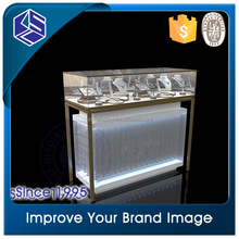 New arrival jewelry display stand Elegant ultra clear glass white jewelry display stand case with hidden led light