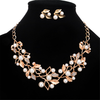 Elegant Simulated Pearl Bridal Jewelry Sets Leaf Crystal Gold Color Necklaces Earrings Sets