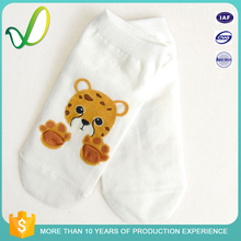 Hot Selling Breathable Young Girl Cartoon Sock Display Cute Teen Girls Socks Raw Materials