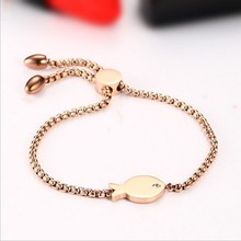 Women's stainless steel can adjust the small fish rose gold bracelet.