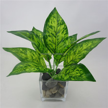 High quality artificial green plant fake evergreen leaves for indoor decorative