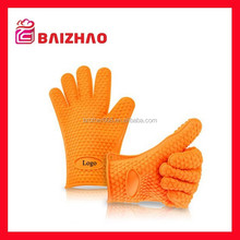 Hot sale to Amazon microwave oven use silicone hand gloves/heat resistant silicone gloves