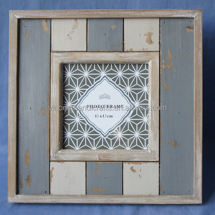 Display wooden photo frame to hold 13 x 13 cm photo