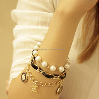 2014 Fashionable gold plated chain Pearl charm bracelet SL006