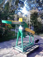 Grain and corn hammer mill