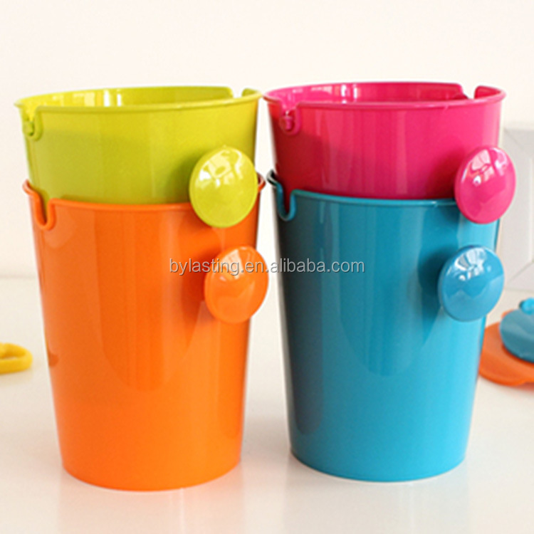 Mini Small plastics kitchen /car trash garbage can with lids on table