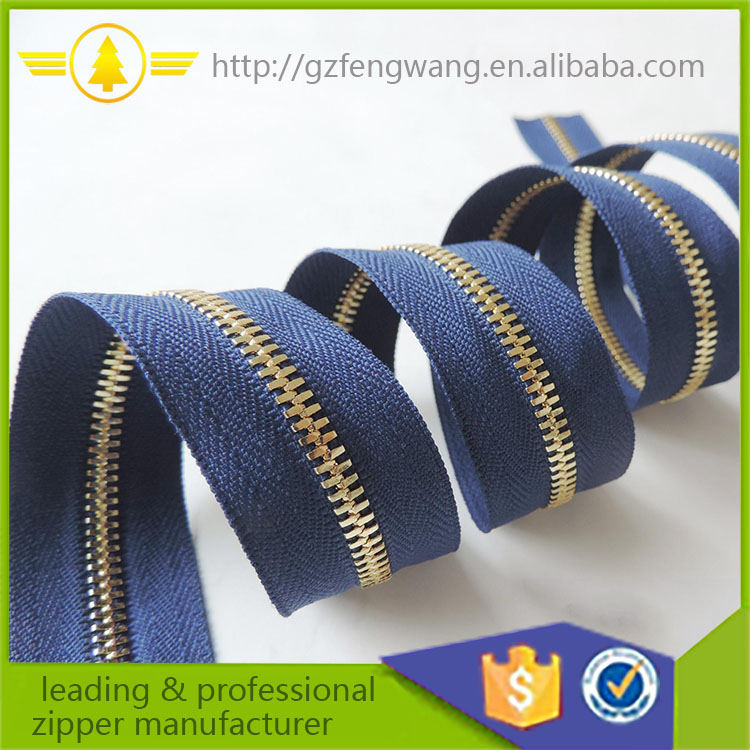 Good quality zipper 5# 8# Size and Metal Material metal teeth zipper roll for garment