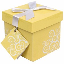 Wholesale OEM Gift Box with Ribbon and Gift Tag Included Packaging Box for Cloth Dress