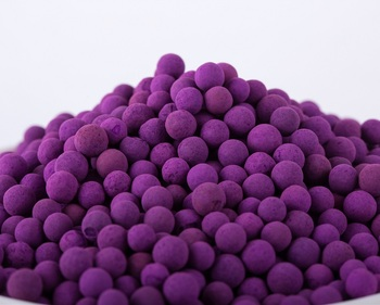 Impregnated activated alumina ball for removal formaldehyde