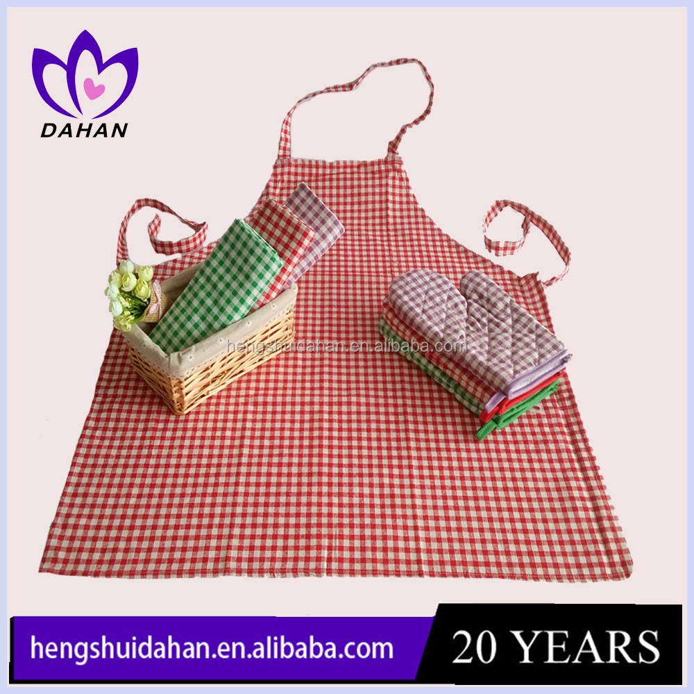 China supplier cheap cotton and polyester fabric classic gird printing kitchen apron and oven mitt sets