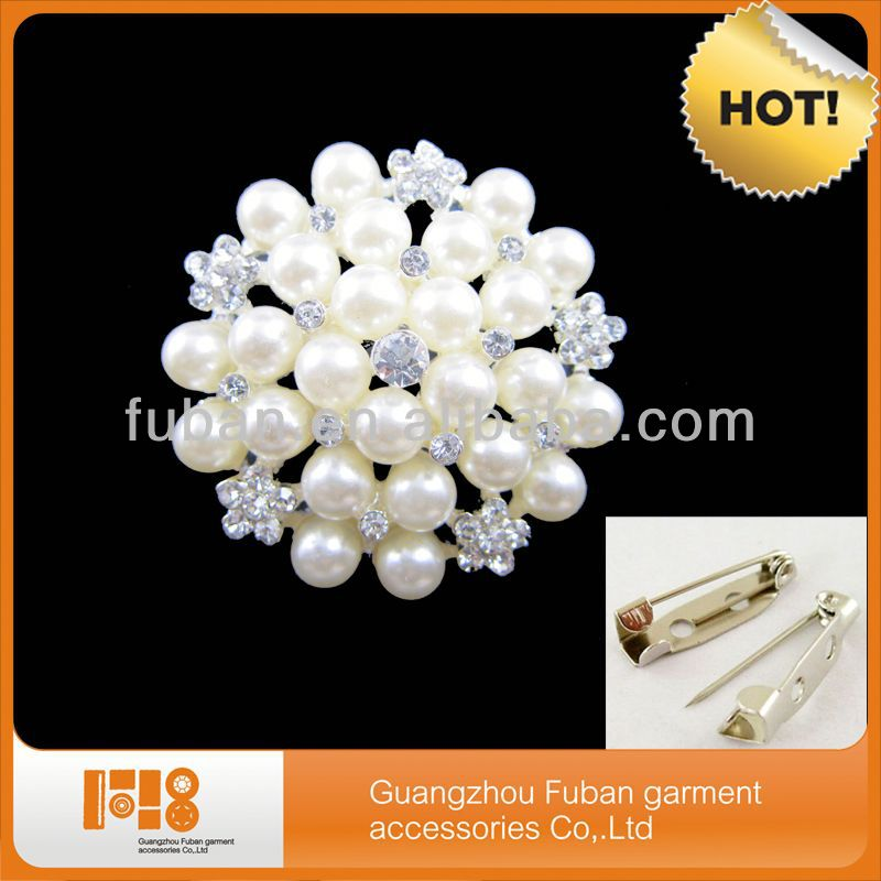 2014 latest design pearl necklace rhinestone brooch wholesale