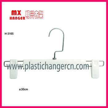 clothes hanger clips
