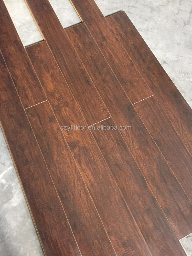<strong>12mm</strong> Handscraped <strong>Oak</strong> HDF Laminate Flooring