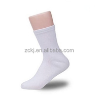 White socks in bamboo fabric ,gel heel for skin protect of anti-dry,anti-crackle,moisturing and soft feeling