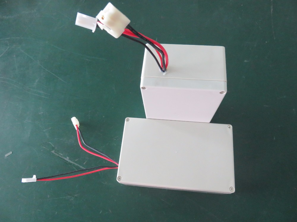 ICR18650 36V 13Ah rechargeable Li-ion battery pack in ABS housing