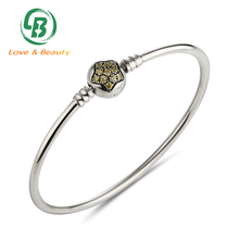 Costume Jewelry Glass Bead Cubic Zircon Stone Bracelet , Star Shape Silver Bangle