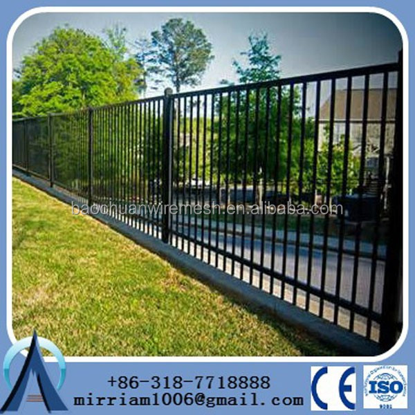 3ft Tall Traditional Grade Iron Fence Used as a Decorative Row-House Property Divider