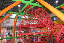 Popular indoor climbing rope net/jungle gym/obstacle course playground equipment