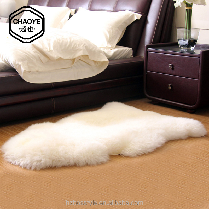 Good quality soft sheepskin white leather fur rug