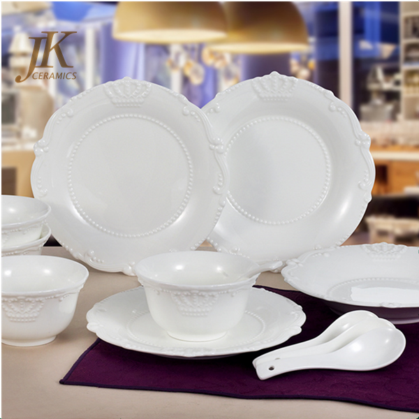 Wholesale price ceramic crown dinnerware plates custom made dinnerware sets full set dinner