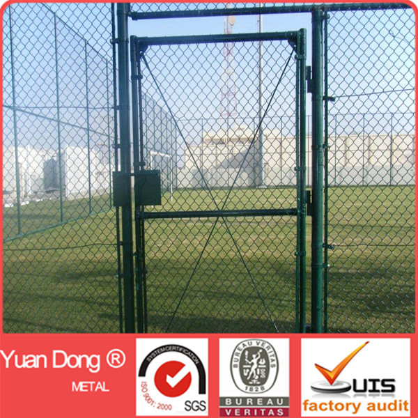 Large quantity green plastic chain link school sports court fence