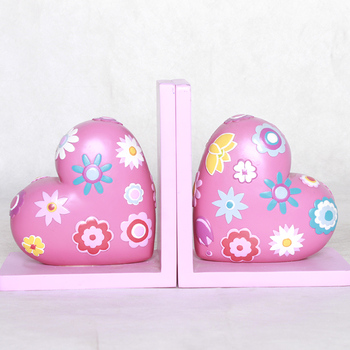 Elegant Heart Shape Resin Cute Bookend Set