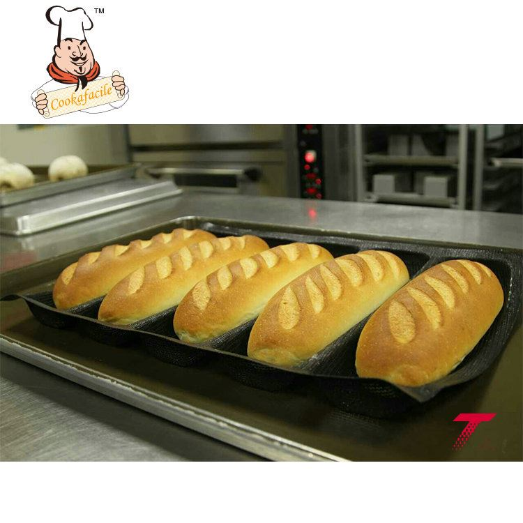 National New Product Award ODM Accepted dog shape silicone cake moulds