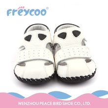 Wholesale environmental material cheap soft baby shoes