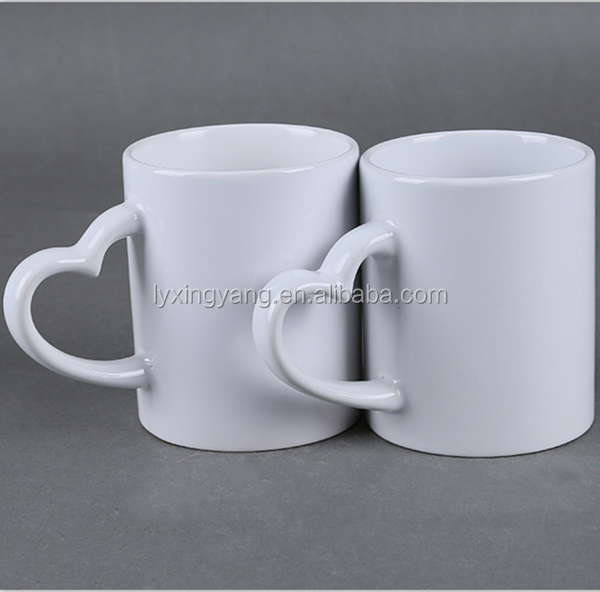 2017 high quality ceramic AAA grade OEM printing sublimation mugs with heart handle
