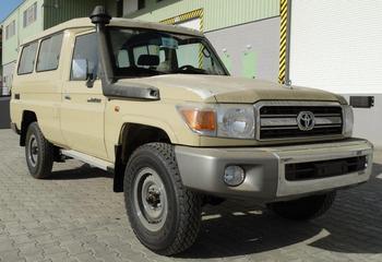 toyota land cruiser hzj 78 diesel 13 seater buy lc. Black Bedroom Furniture Sets. Home Design Ideas