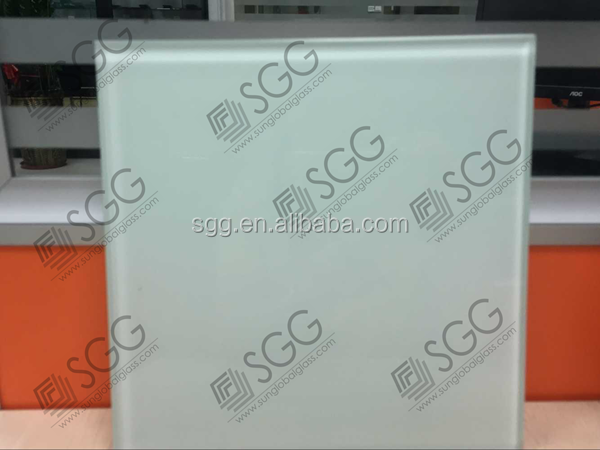 customized thickness/ size milky white crystal glass