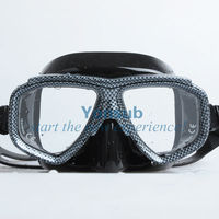 Diving mask with tepered glass