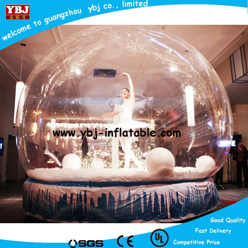 Latest indoor inflatable cartoon snow globe for decoration, xmas inflatable snow globe tent