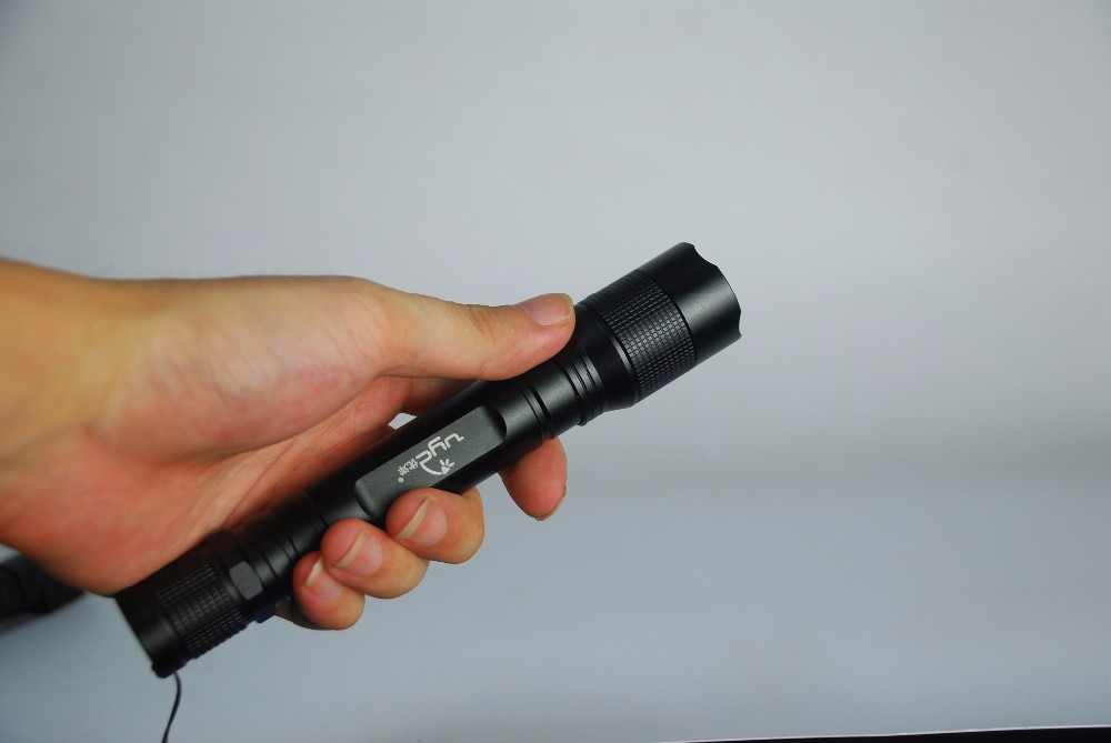 Zoom Mini Waterpoof Camping Rechargeable LED Flashlight