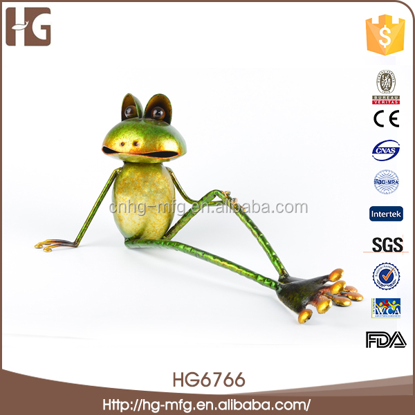Cheap indoor metal frog craft home decoration items for wholesales