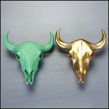2017 North American and Europe trendy green and gold resin bull