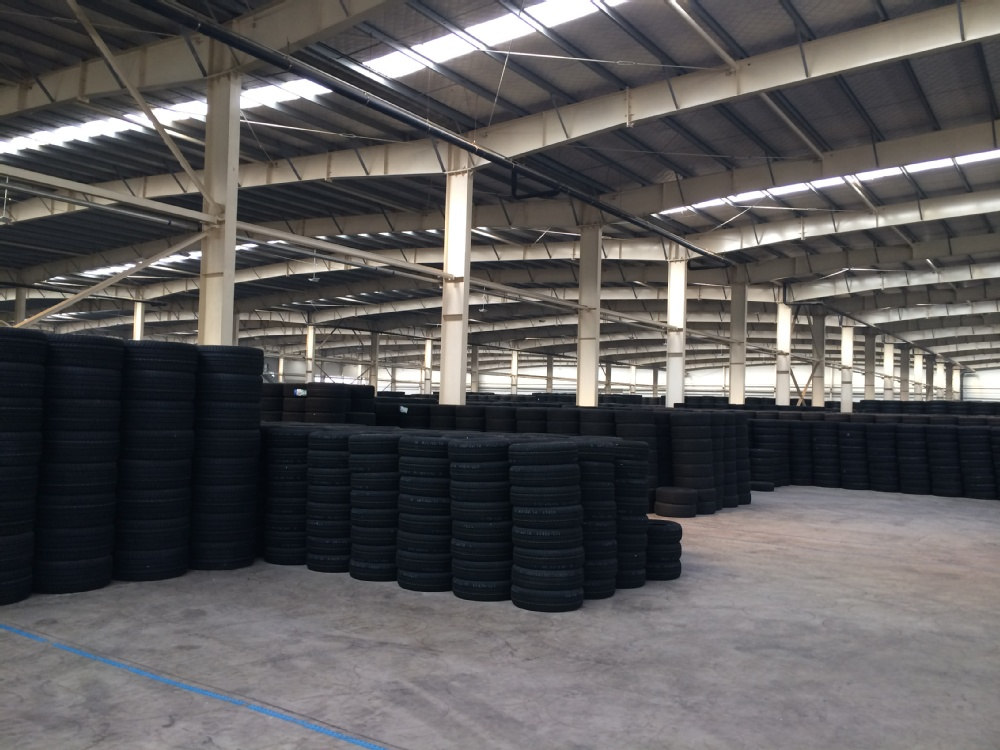 Skid Steer For Sale KETER Brand 27x8.5-15 Skid Steer Tires 10x16.5 Bobcat Skid Steer Tire Made in China