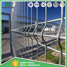High Quality factory direct supply Metal free standing temporary fence Green vinyl coated 3d wall wire fence panels